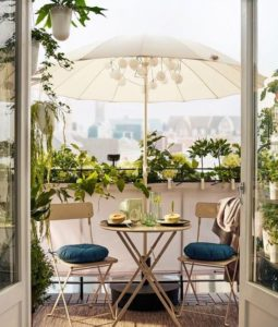 Read more about the article 50+ Small Apartment Balcony Ideas